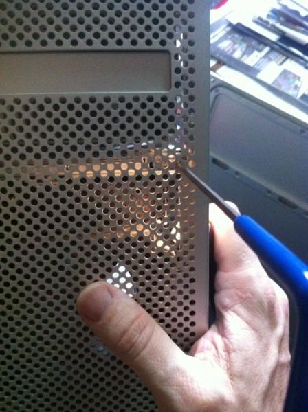 broken-mac-pro-latch